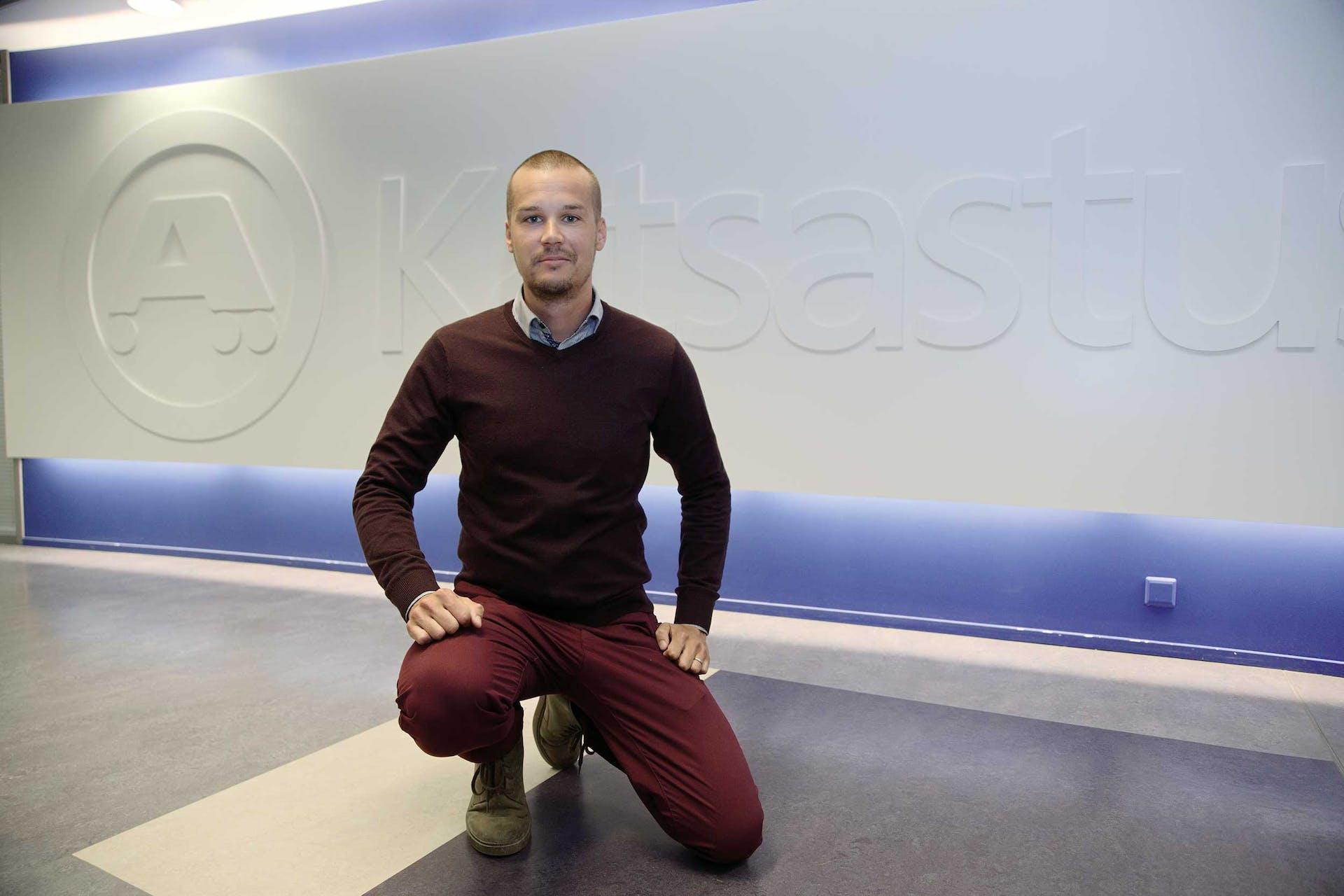 """A-test tekee vuosittain noin 700 räätälöityä testiä eri automerkeille. """"Tässä testissä Škoda-merkkihuolto pesi ei-merkkihuollot 100-0"""", Matti Viljanen sanoo."""